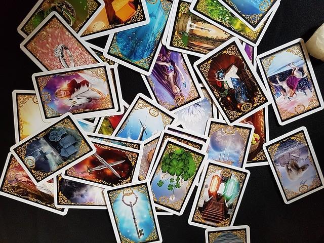 72443ab024405e Cartomancie gratuite par jeu de 32 cartes - Tirage gratuit
